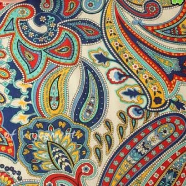 Vera Bradley fabric Remnant 100% Cotton Mariana Paisley 1 Yard