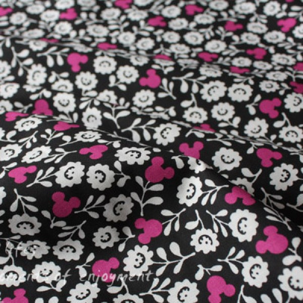 Vera Bradley Disney Mickey Mouse Meets Lining fabric Remnant 100% Cotton 1 Yard